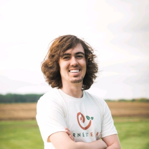 """<b><font size=""""+1"""">Gabe Price</font></b><br>President at Earnest Earth"""