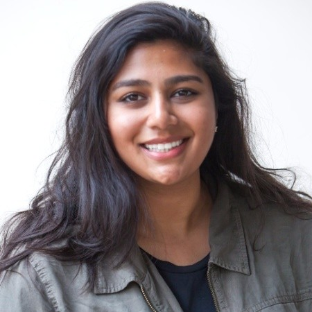 "<b><font size=""+1"">Manisha Singh</font></b><br>Managing Director at MakerGirl"