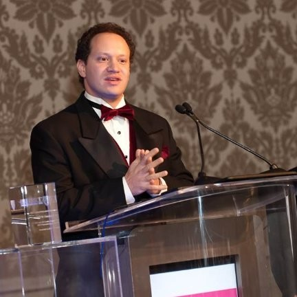 """<b><font size=""""+1"""">Alex Meyer</font></b><br> Chairman at HBS Angels Chicago"""